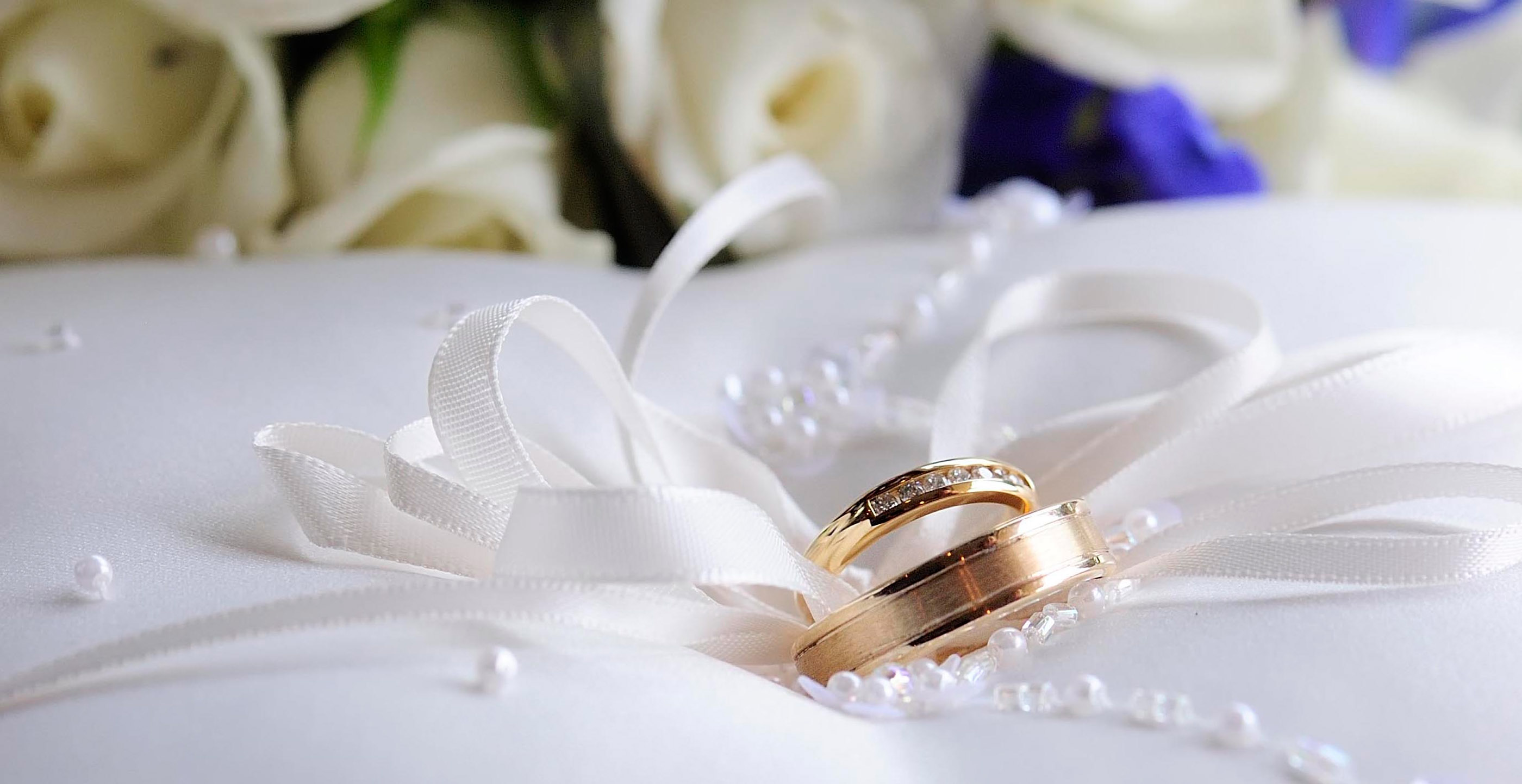 FreeGreatPicture.com-32451-gorgeous-wedding-ring